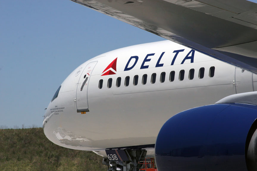 Delta-Airlines-front-plane